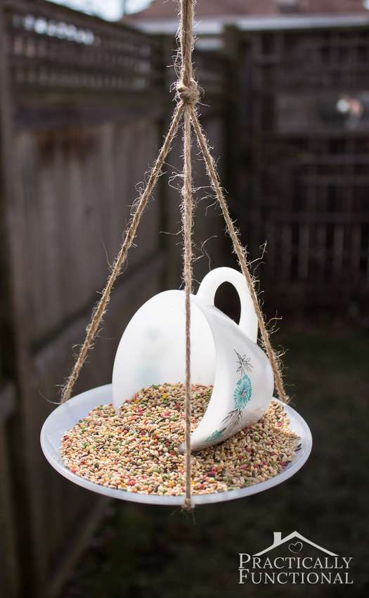 как сделать кормушку для птиц из чашки