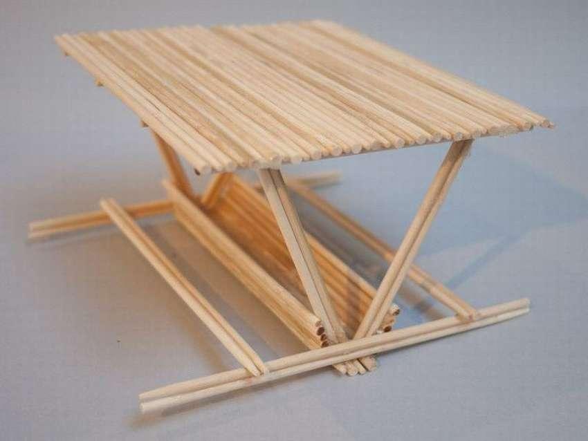 кормушка для птиц из палочек для еды