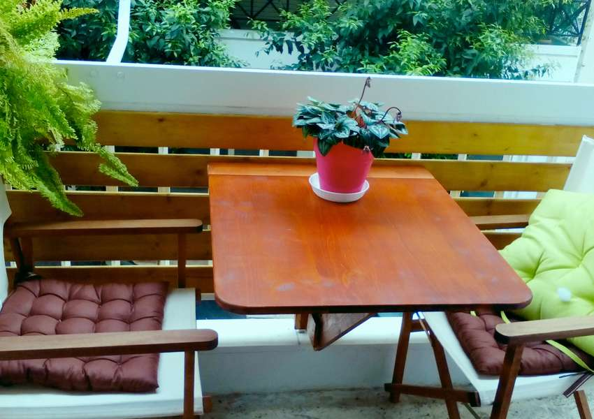 складной балконный стол