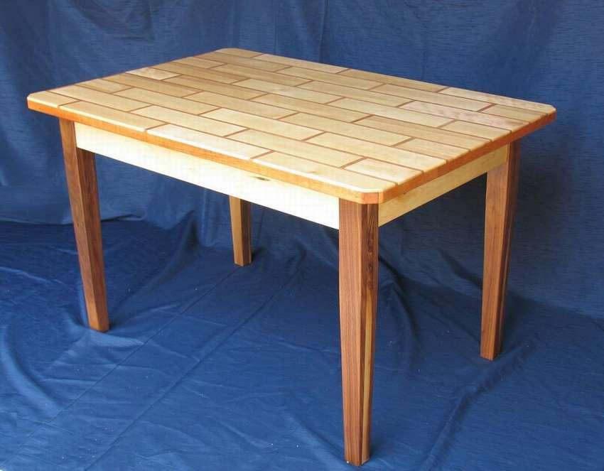 стол с декоративной столешницей
