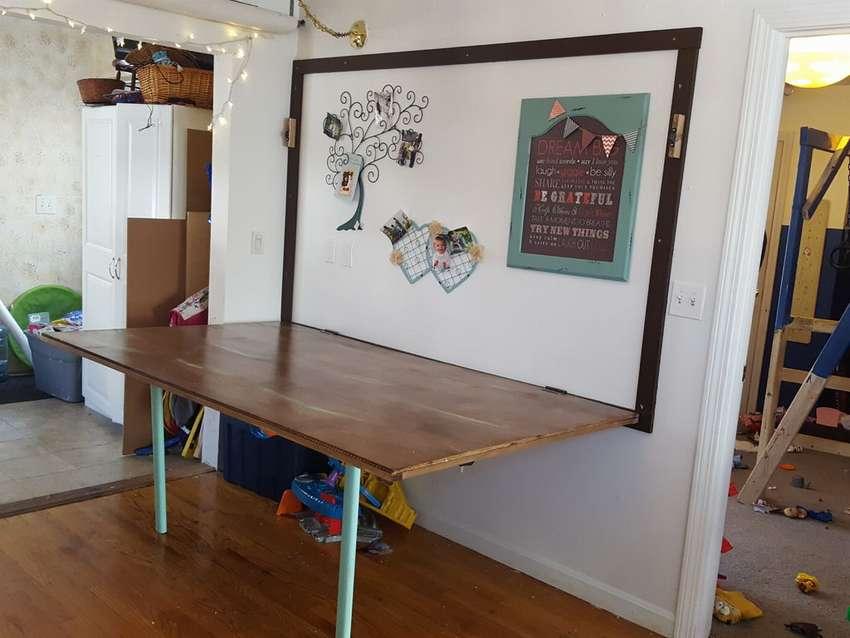большой настенный стол
