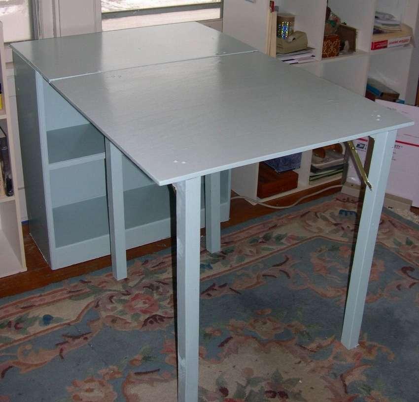 откидной стол из старого шкафа