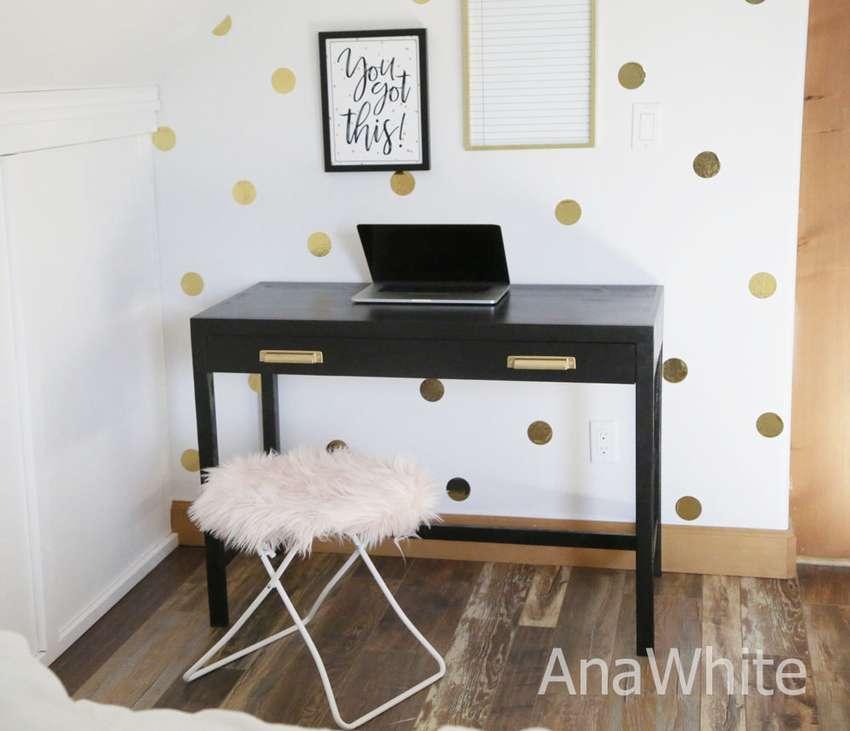 письменный стол с выдвижным ящиком